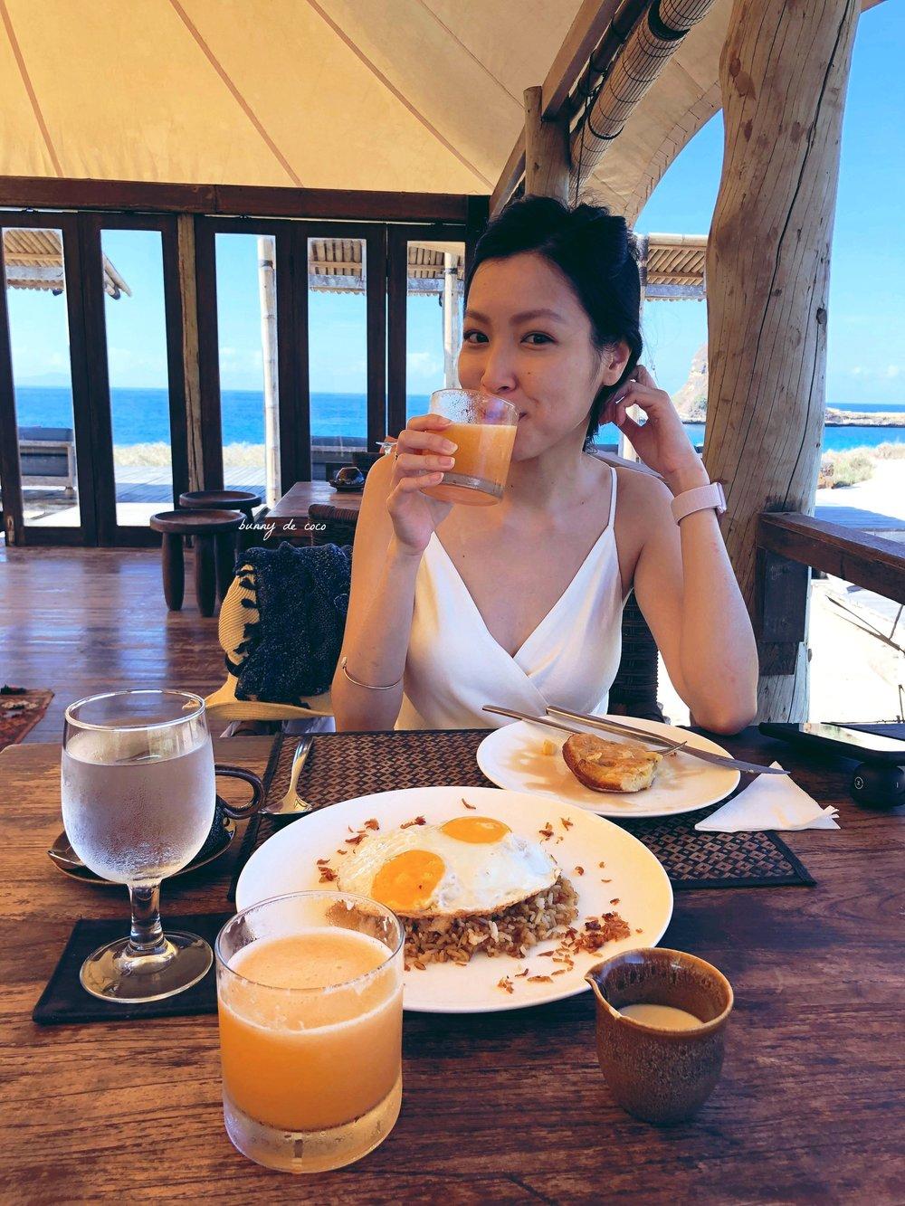 All-you-can-eat breakfast: I had Nasi Goreng & Banana Pancakes!