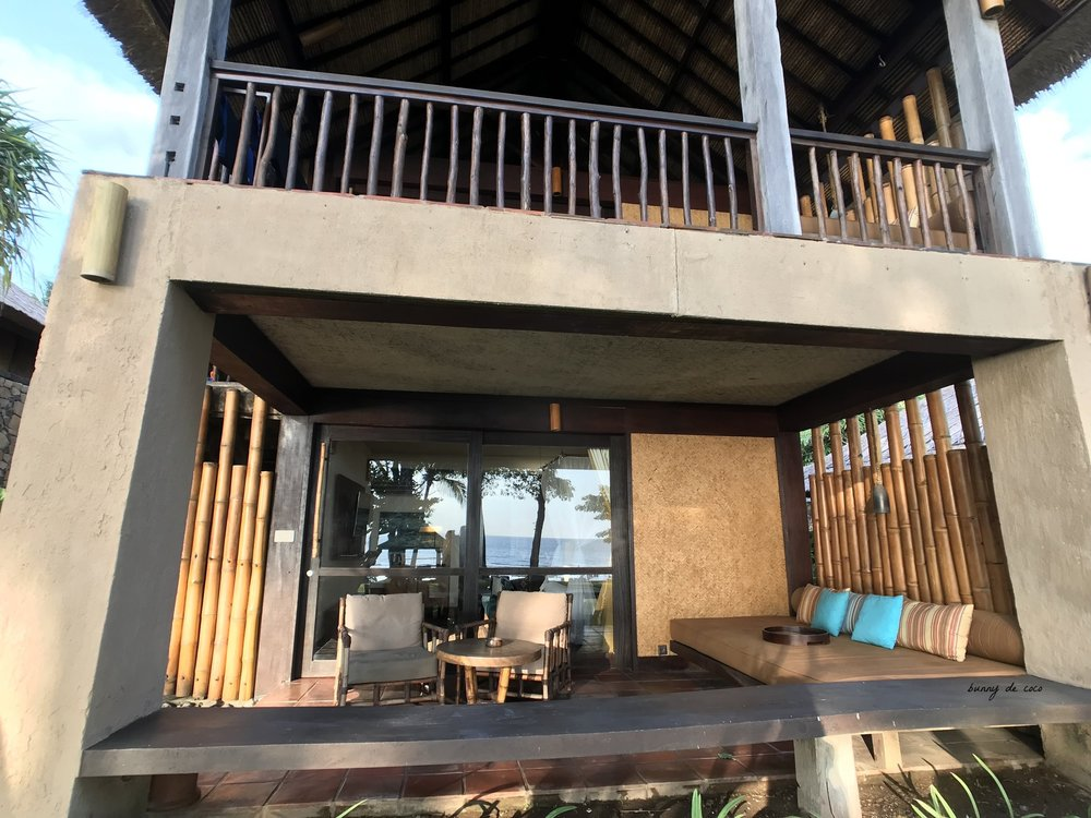 Double-storeyed lodgings. Our beachfront ground floor room.